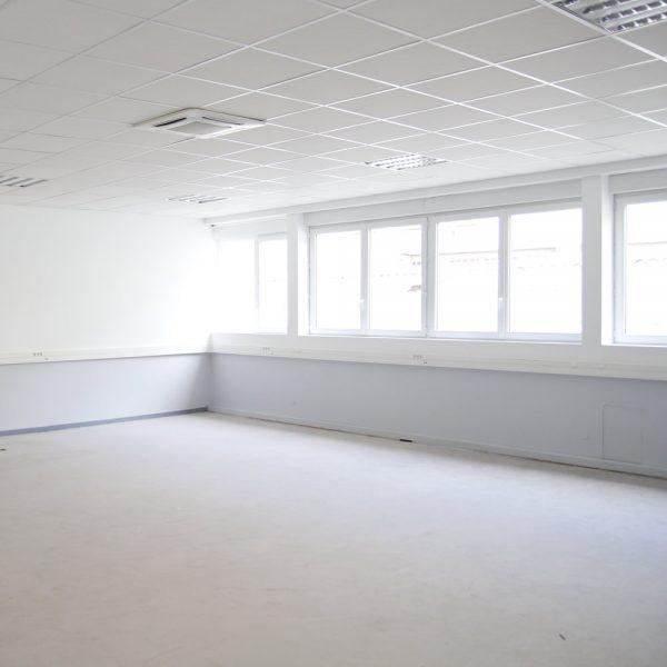LOCATION BUREAU REFAIT À NEUF – 75 m2